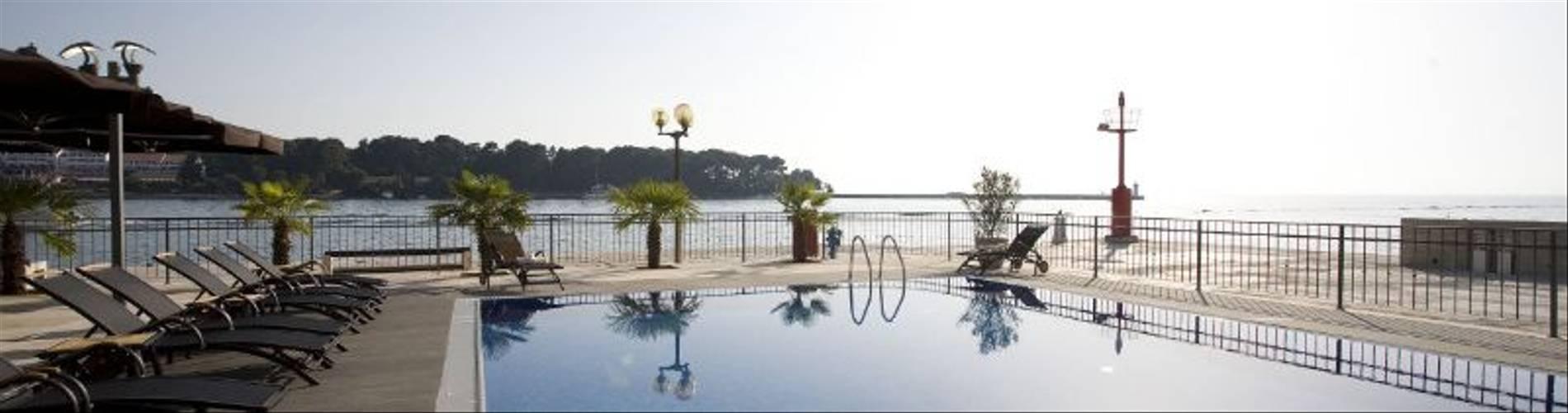 Infinity-pool-at-Palazzo-Porec.jpg