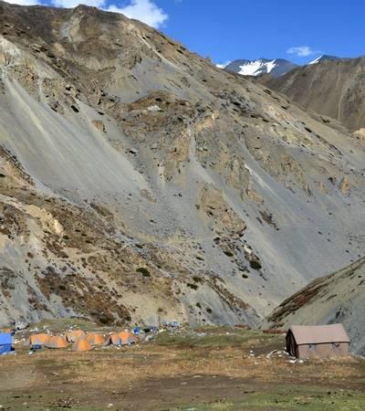 Yak Kharka camp (4,494m)
