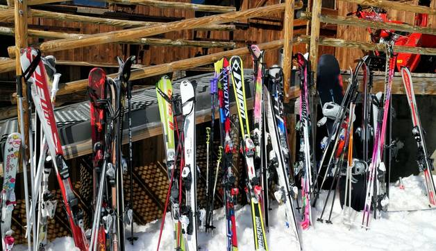 Shutterstock 243844576 Strap Your Ski'S On!