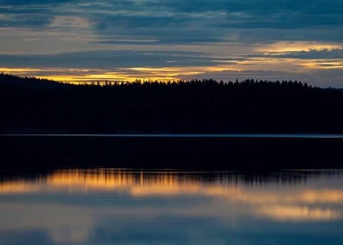 Sunset on the lake (Marcus Westberg)