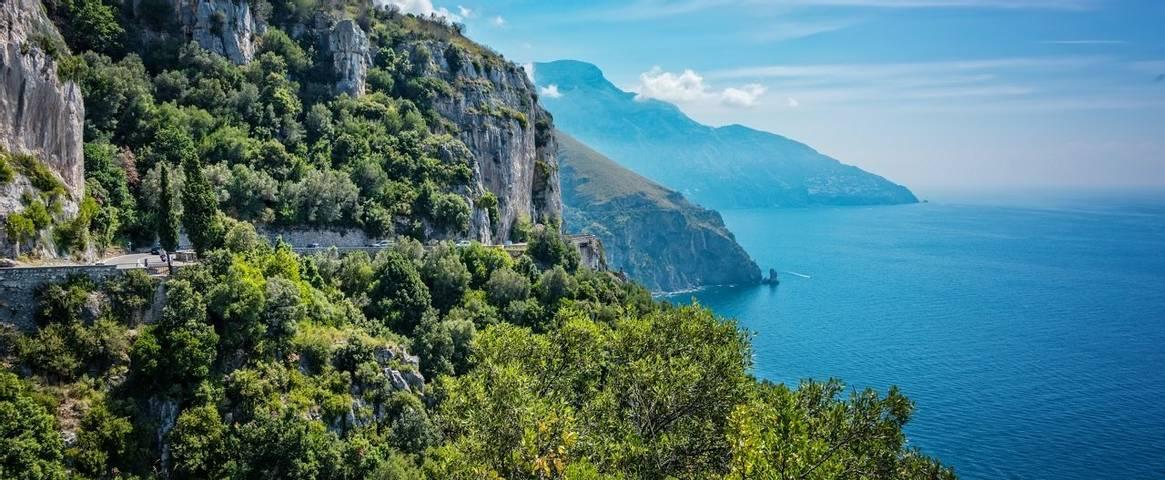 Cliff views on the Sorrento Peninsula, Italy