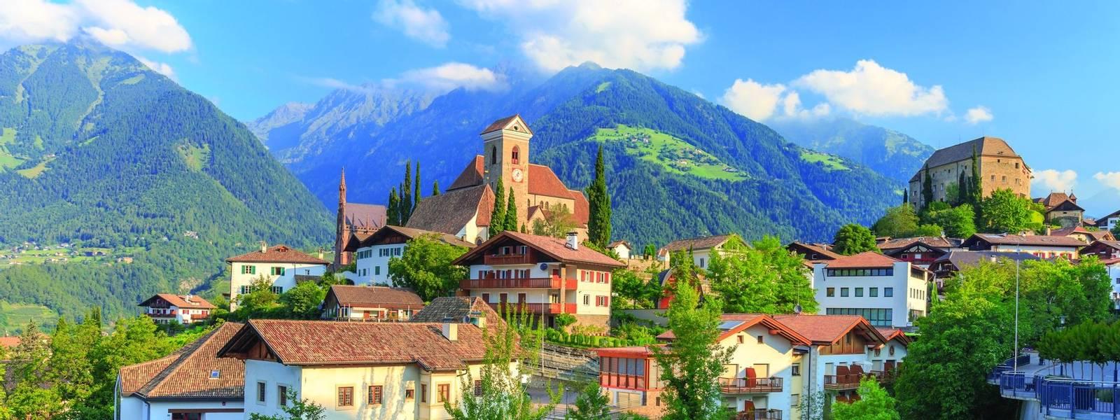 Südtiroler Bergdorf Schenna bei Meran