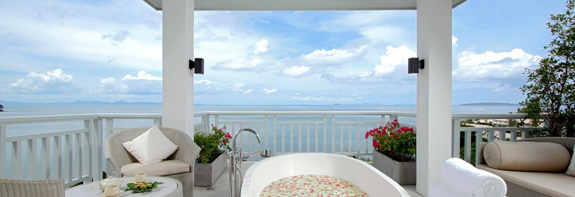 Amatara-outdoor-spa.jpg