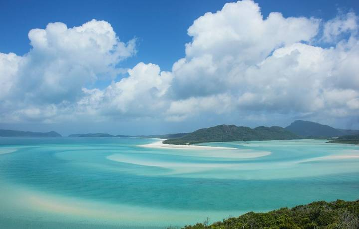 The view from Hill Inlet lookout at Whitsunday Islands on a sunny spring day