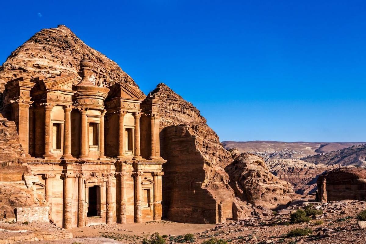 Jordan - Petra - AdobeStock_102727498.jpeg
