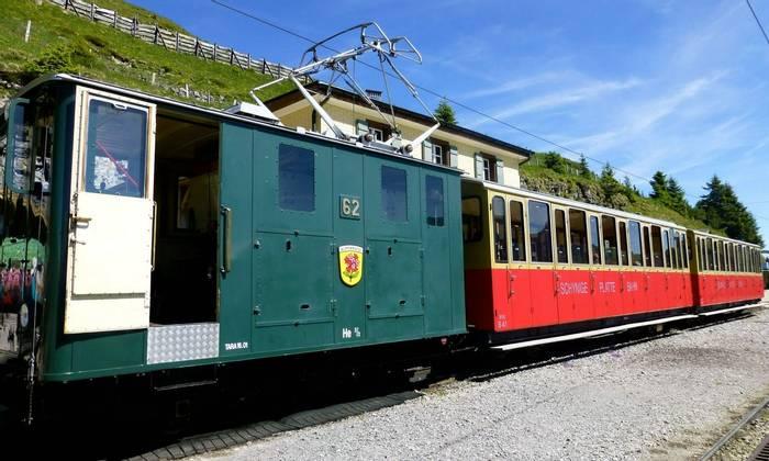 The train to Schynige Platte (Kerrie Porteous)