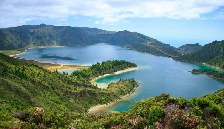 Shutterstock 92407054 Lagoa Do Fogo, A Volcanic Lake In Sao Miguel