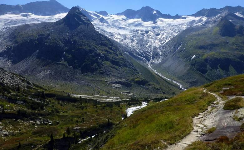 Austria - Mayrhofen - AdobeStock_270484476.jpeg