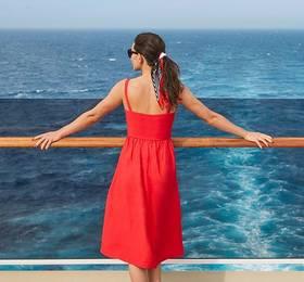 Southampton - Disembark Queen Mary 2