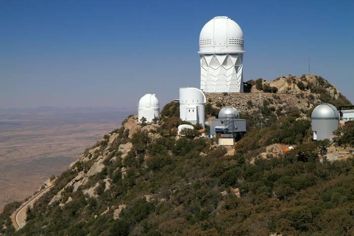 Kitt Peak National Observatory southwest of Tucson, Arizona shutterstock_98310773.jpg