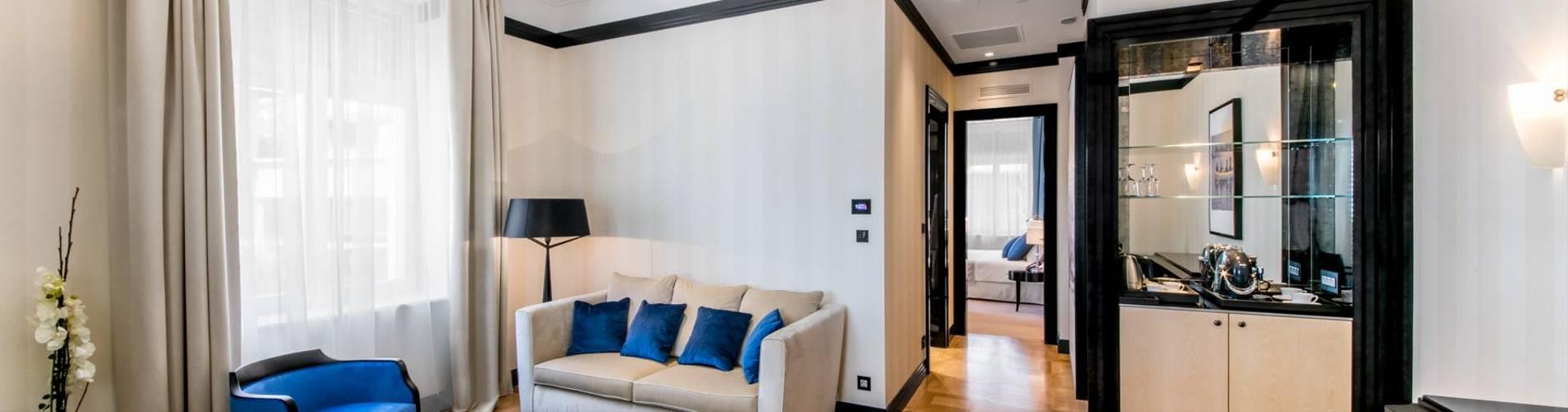 21. Boutique Hotel Alhambra_augusta suite (1).jpg