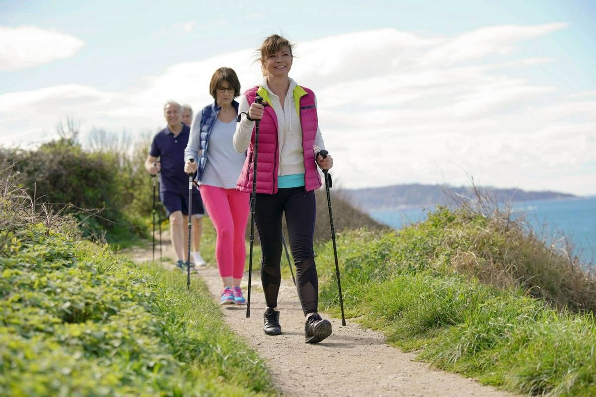 Nordic Walking - AdobeStock_197241122
