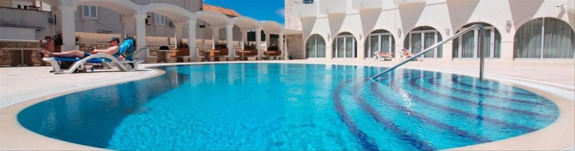 Korkyra-Hotel-Pool.jpg