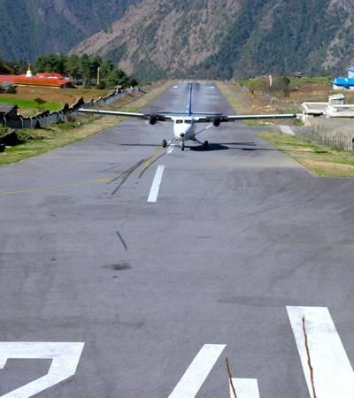 Twin Otter landing at Lukla STOL airstrip