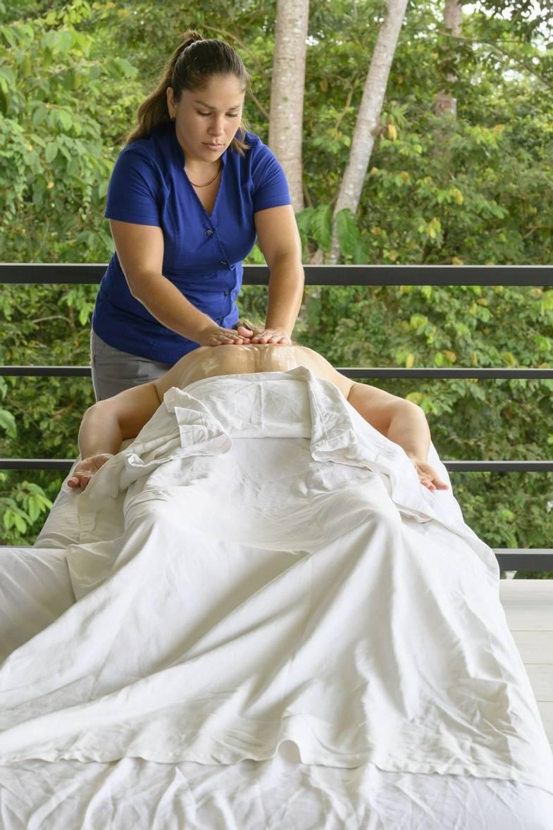 lapazul-retreat-massage.jpg