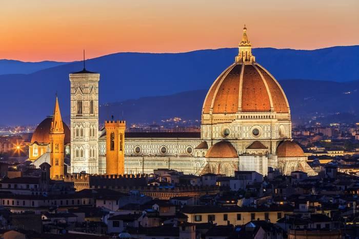 Santa Maria del Fiore, Florence, Italy shutterstock_602115368.jpg