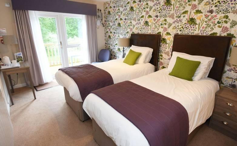 10699_0053 - Nythfa House - Garden Room 2