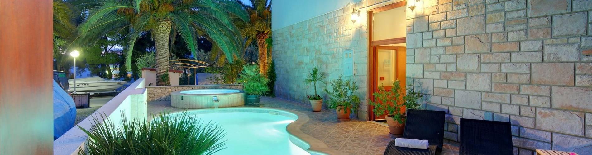 Hotel Villa ADRIATICA 2014 ZPool 1 6X4 16MB.JPG