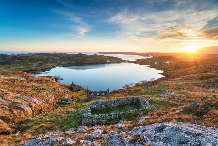 Isle of Harris sunset, Scotland shutterstock_1234118077.jpg