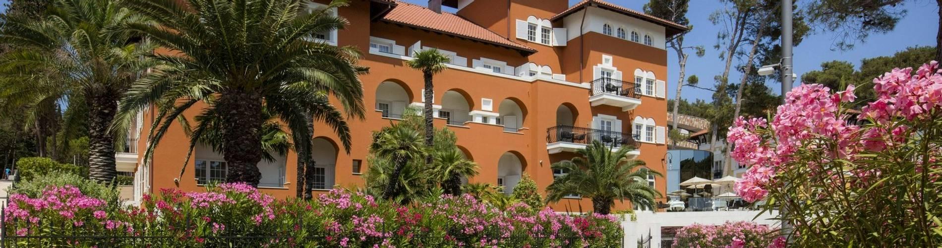 06.Boutique Hotel Alhambra_02 (1).jpg