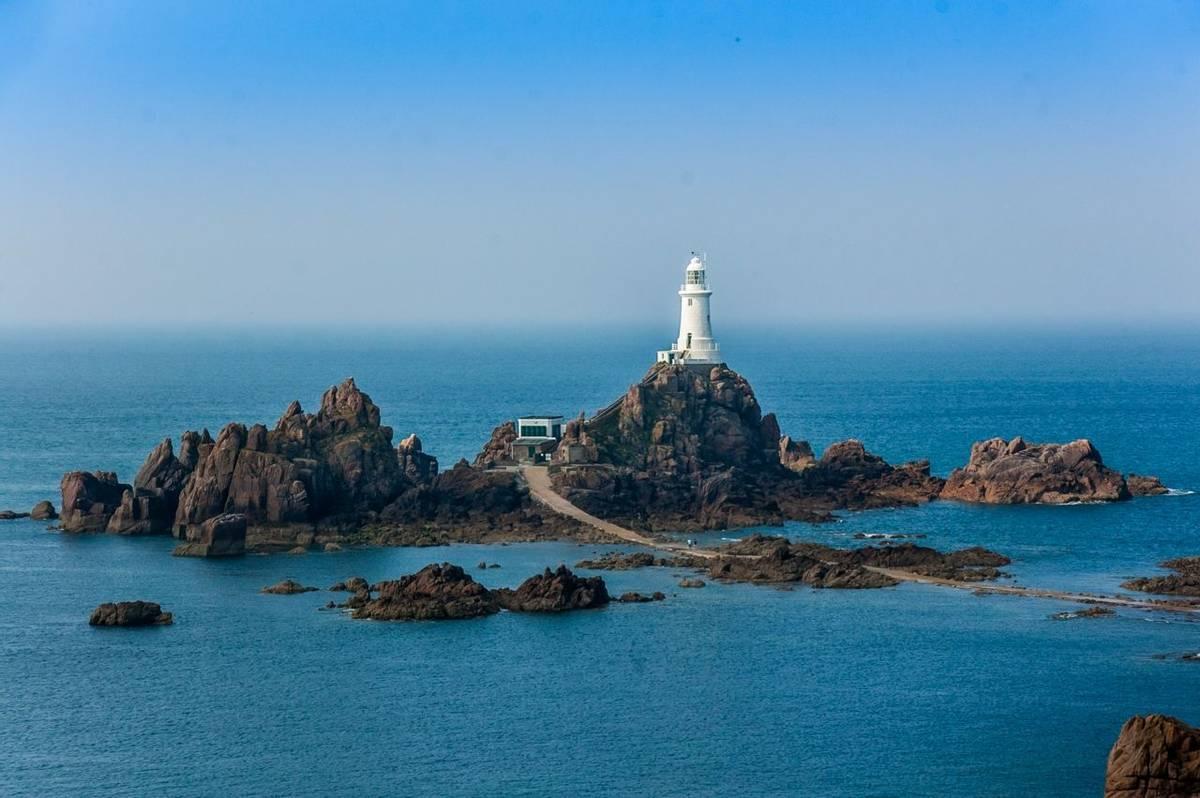 Jersey Coast Path - AdobeStock_121822010.jpeg