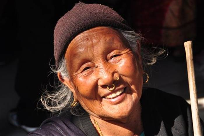 Nepali lady in the mountains (John Keighley)