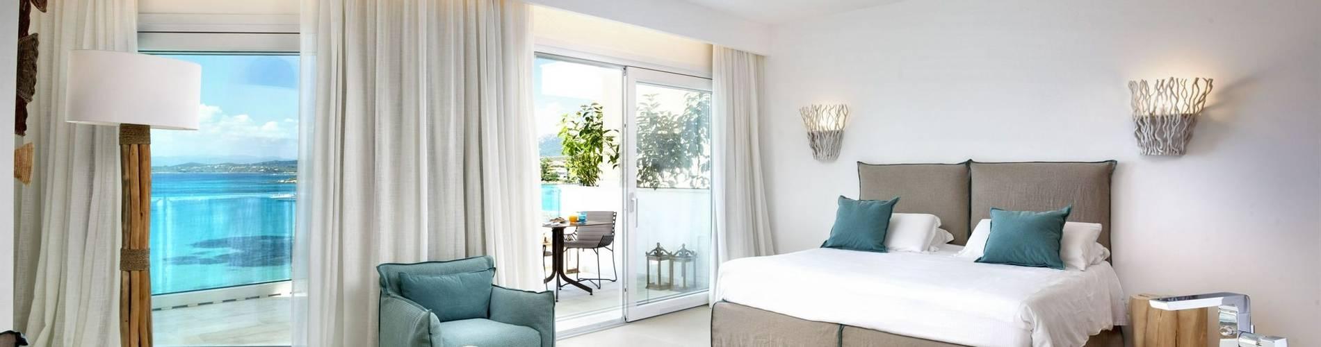 Pool Suite - Gabbiano Azzurro Hotel Sardinia3.jpg