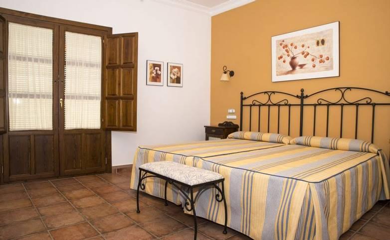 Spain - Andalucia -  Priego de Cordoba - Habitación-2-camas-3-H.-Palomas-1024x684.jpg