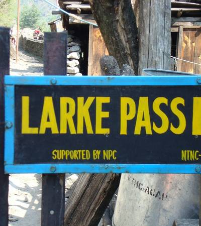 Larke Pass signpost