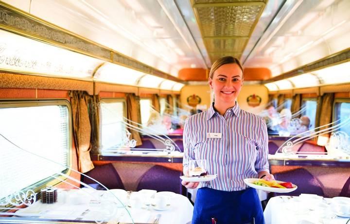 GSR-Gold-Service-Queen-Adelaide-Restaurant-HR-Attendant_Waiter_1920.jpg