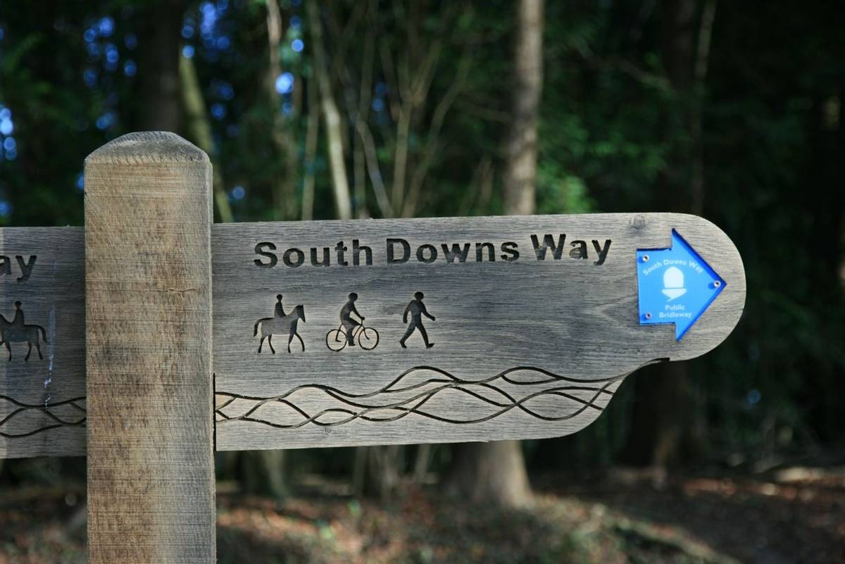 South_Downs_Way_Sign_7.JPG
