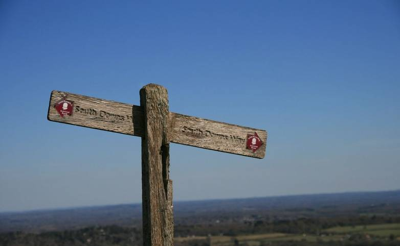 South_Downs_Way_Signpost.JPG