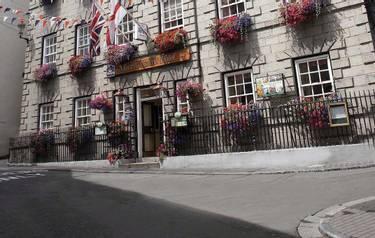 Channel Islands Moores Hotel external shot Guernsey.jpg