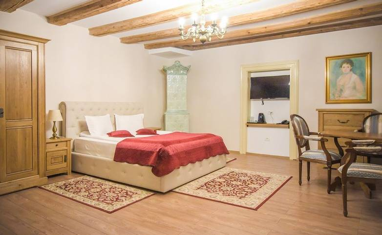 Romania - Hotel Safrano - dbl room - Agent Photo.jpg