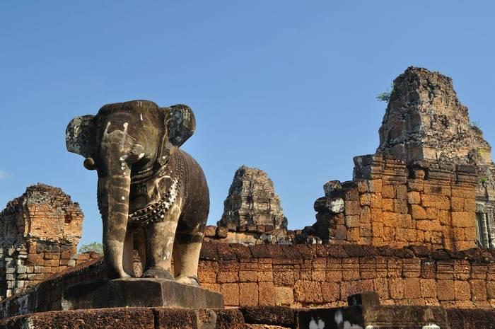 Pre Rup Temple, Angkor, Cambodia shutterstock_113449051.jpg