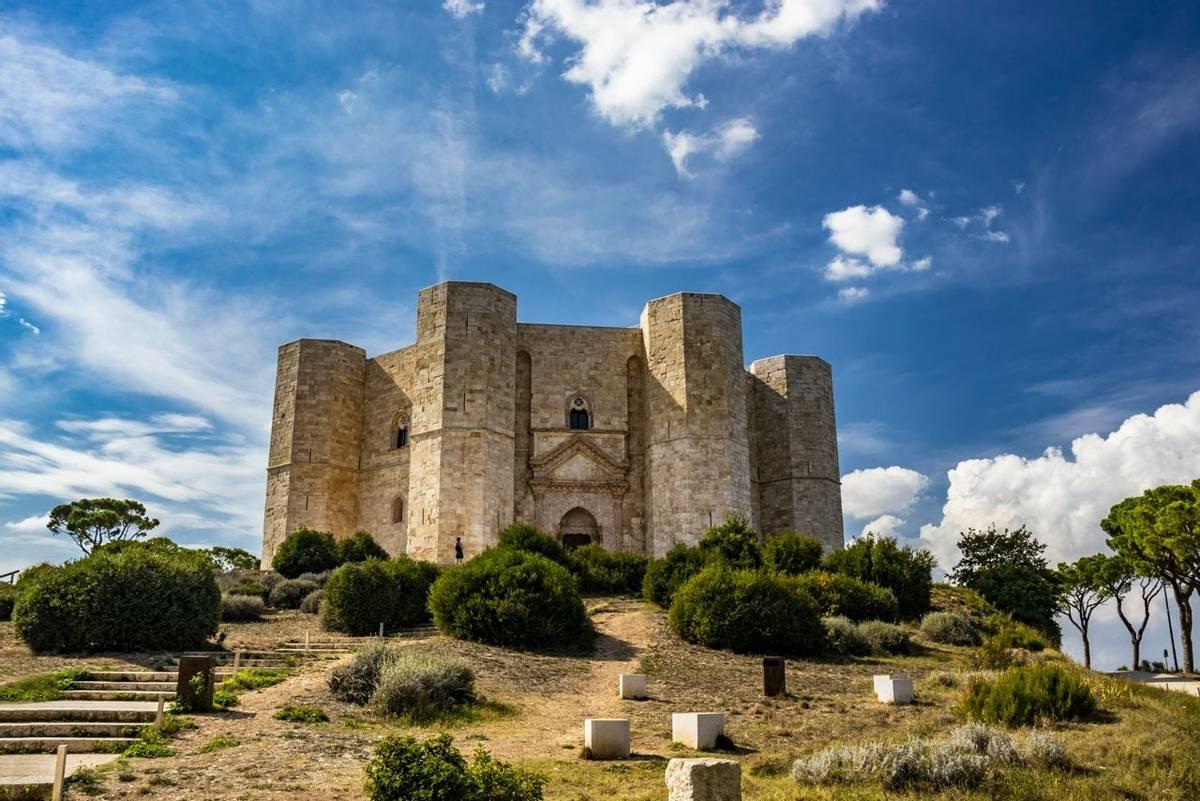 Italy-Puglia_Castel_Del_Monte_AdobeStock_224613419.jpeg