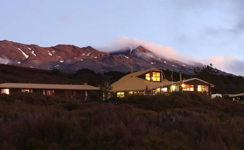 Australasia - New Zealand - Skotel Tongariro hp-skotel-night-1024x491.jpg
