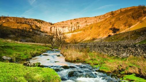 7-Night Southern Yorkshire Dales Walking with Sightseeing Holiday