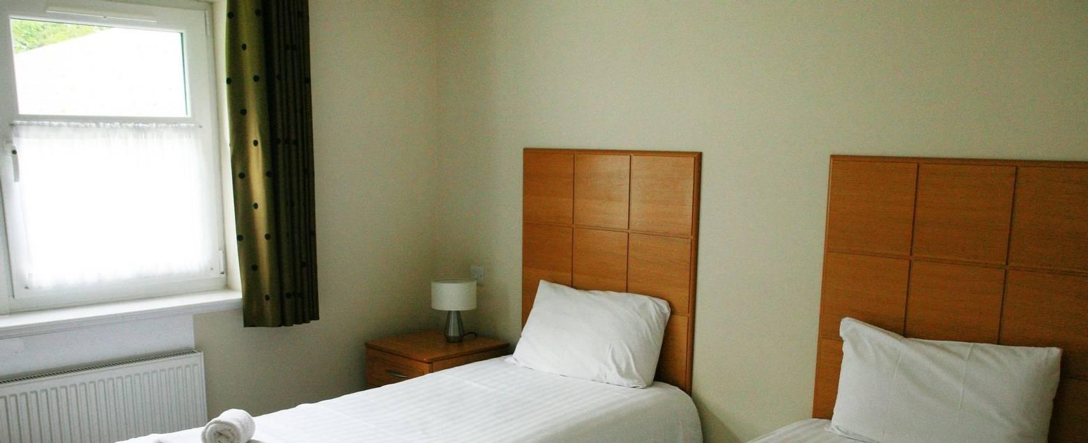 10682_0147 - Alltshellach - Room 38