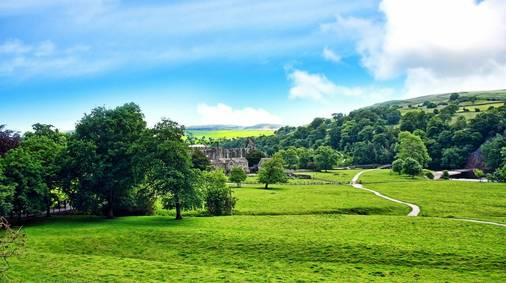 4-Night Southern Yorkshire Dales Gentle Guided Walking Holiday