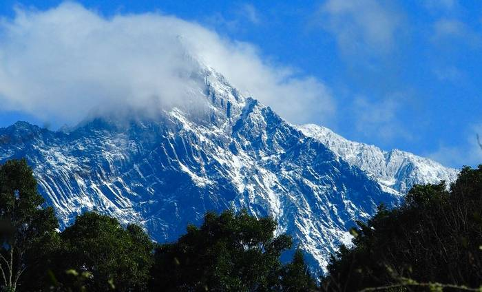 Mount Yushan by Paul Gallagher