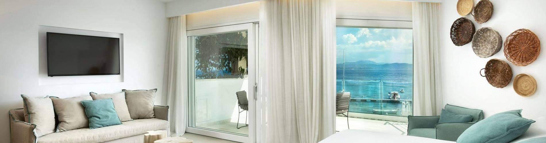 Pool Suite - Gabbiano Azzurro Hotel Sardinia10.jpg