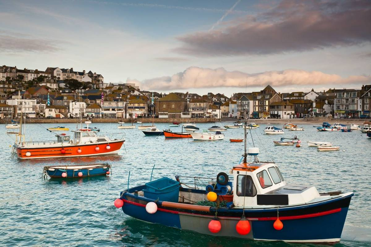 Cornwall - St Ives - St Ives Harbour - AdobeStock_35693165.jpeg