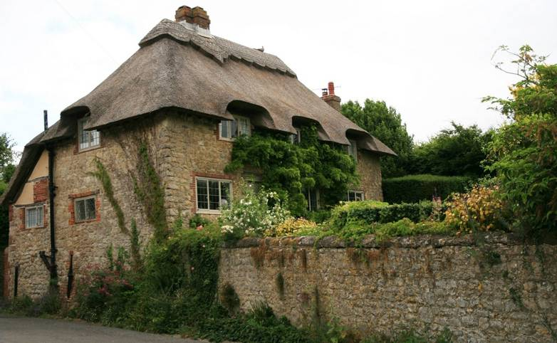 Amberley_cottage_wall.JPG