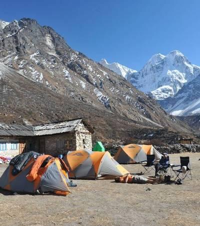 Khambachen camp (4,100m)