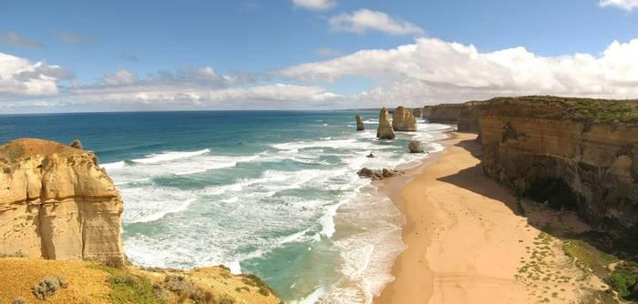 Great Ocean Road, Port Campbell NP, Australia shutterstock_404542693.jpg