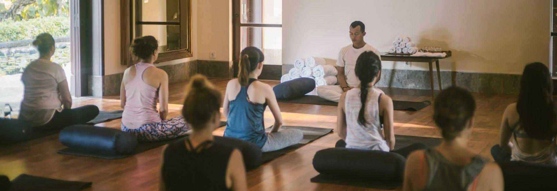 Revivo Yoga Group Class