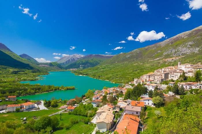 Lago Di Barrea, Abruzzo, Italy Shutterstock 240871990