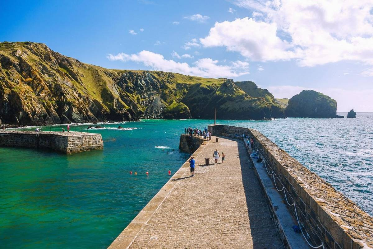 Cornwall, The Lizard, Mullion Cove