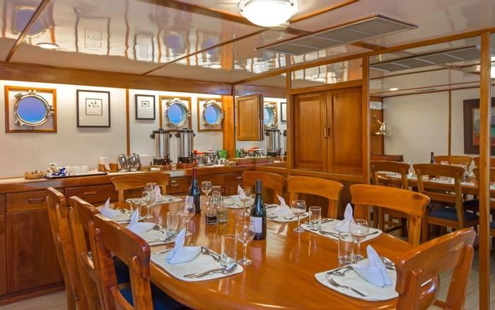 Beluga Dining Saloon